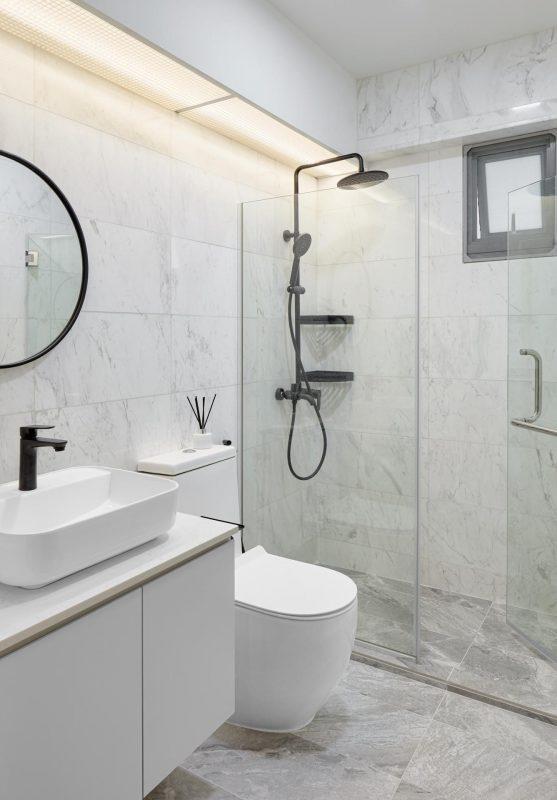 Grey marbled bathroom