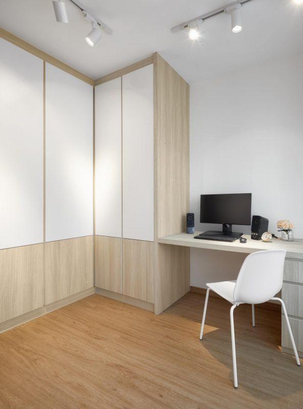 Light maple cupboard doors and study desk