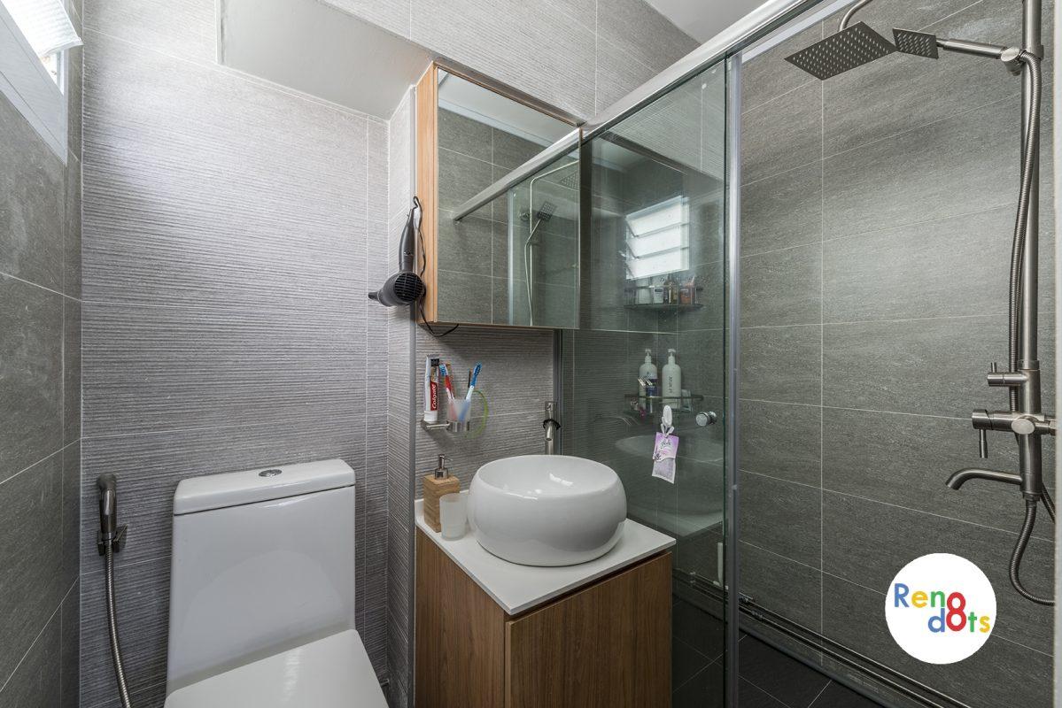ID Gallery Interiors master bathroom