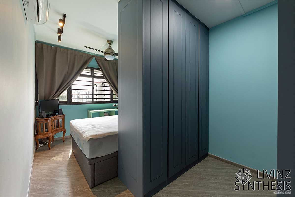 Livinz Synthesis cool colours and wooden bedroom floor